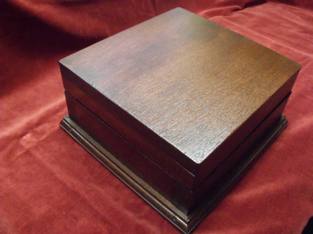 Picture & Wooden Boxes Cabinets Display Cases Coins - The Eagle Empire